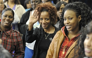 What is the average pay for teachers at City Colleges of Chicago?