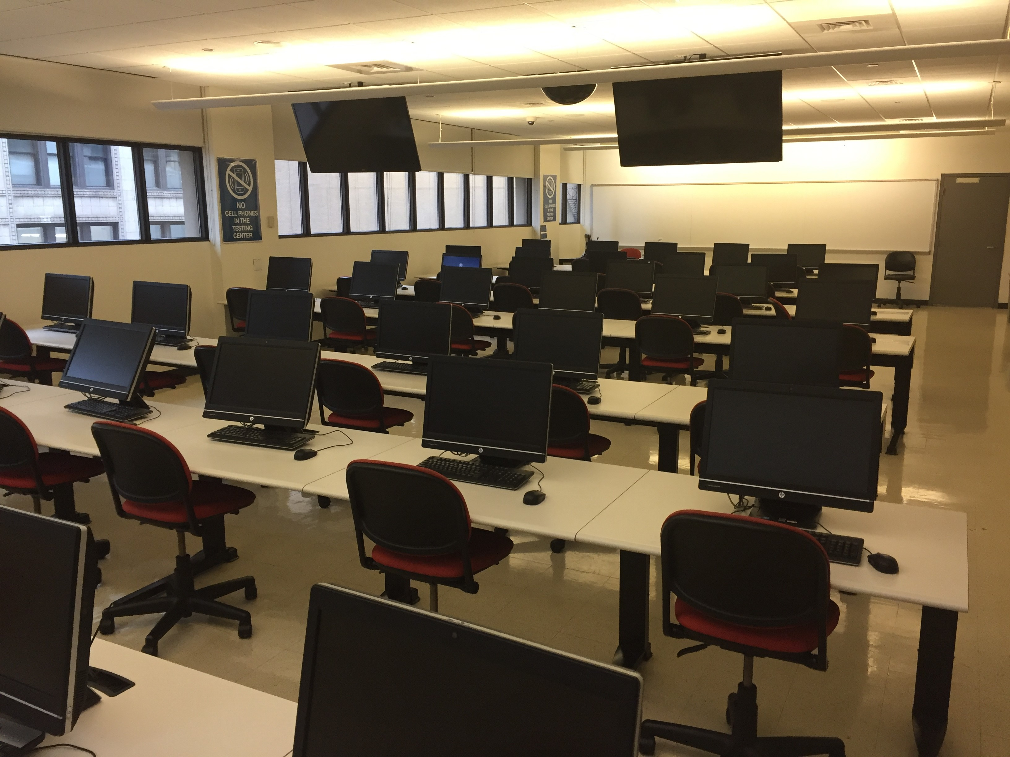City Colleges of Chicago - Harold Washington - Computer Labs